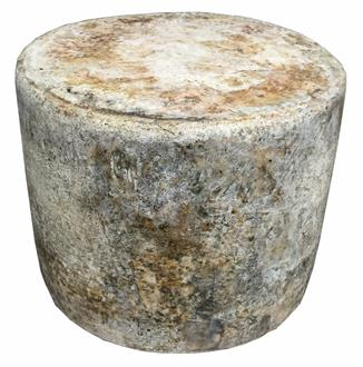English Cave Aged Cheddar (WHOLE WHEEL)